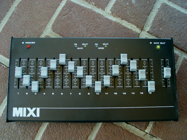 midi controller with 16 faders does it exist page 2 kvr audio. Black Bedroom Furniture Sets. Home Design Ideas